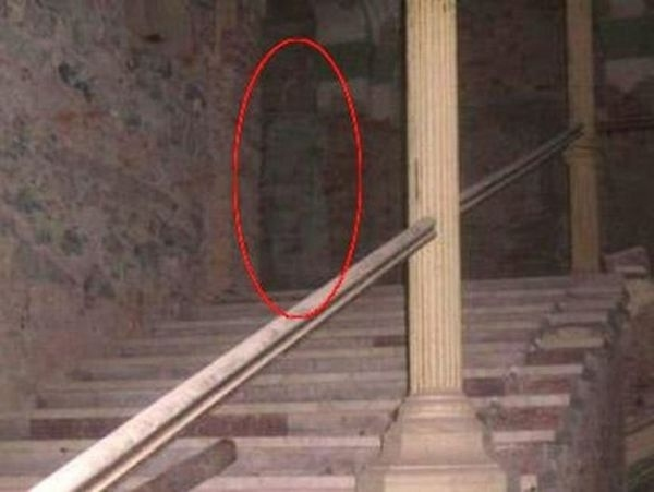 Romanian Hotel Ghost