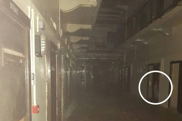 100-jail-ghost