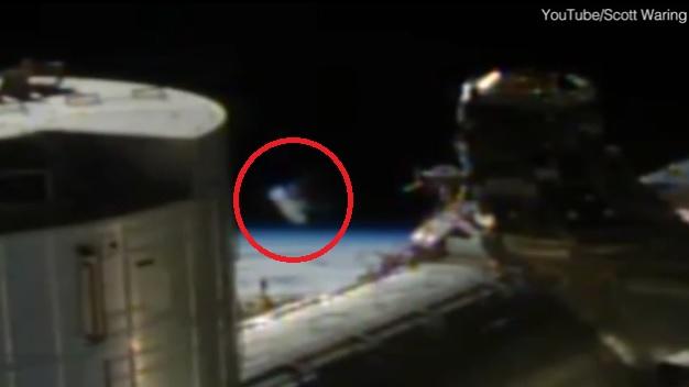 iss ufo 23 april.jpg